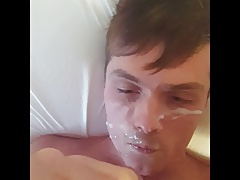 Messy twink self-facial