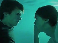 Feel strange and pleasant after FIRST KISS underwater - skam