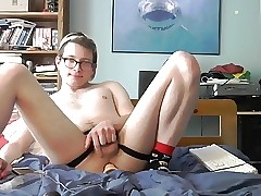 nerdy twink fucks his hole with a dildo