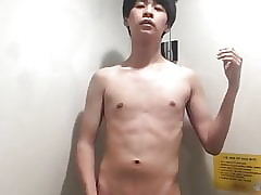 Exhibitionist Asian Boy Masturbate in Public Toilet