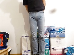 crossdresser in diaper under tight levis jeans - abdl