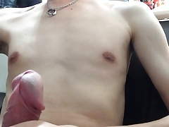 twink busting a nut in full graphic detail porn