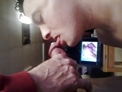 twink sucks anonymous daddy cock